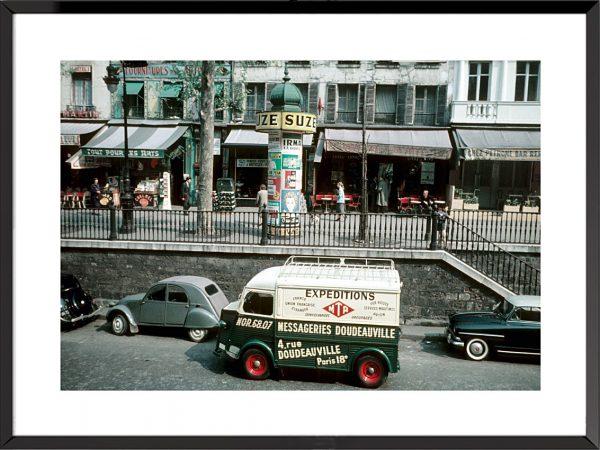 Paris, rue bordant le canal Saint-Martin, années 50